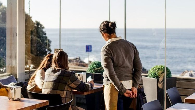 Tavi-Confeitaria-da-Foz-Top 5 Cafes in Porto for a Winter day