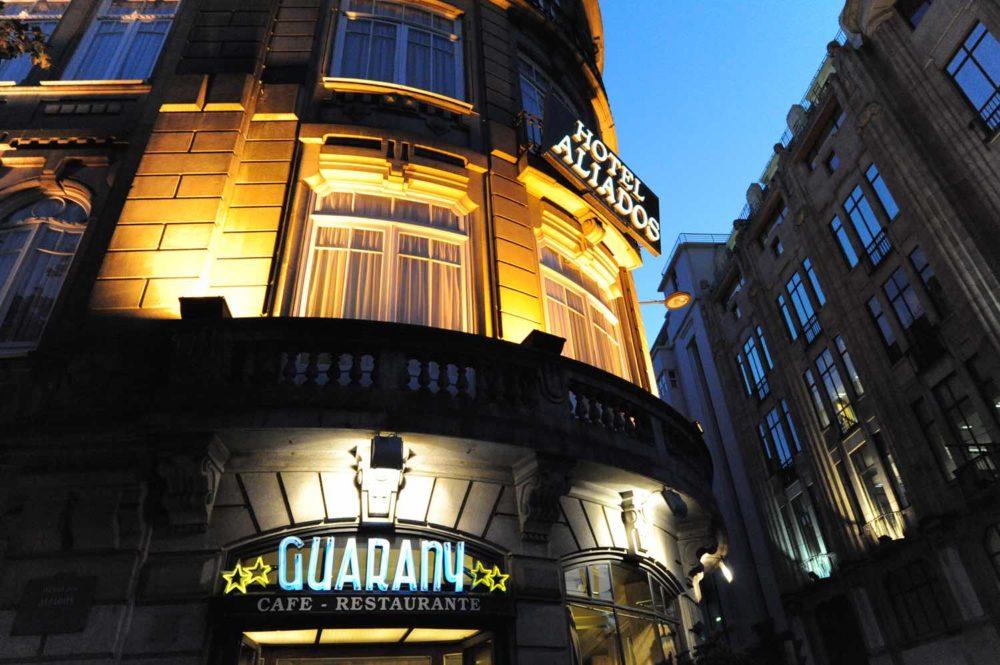 Cafe-Guarany-outside