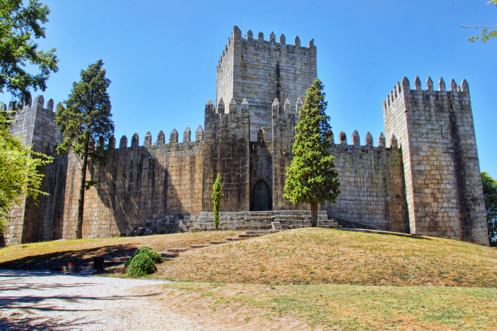Day Trips from Porto - Guimarães Castle