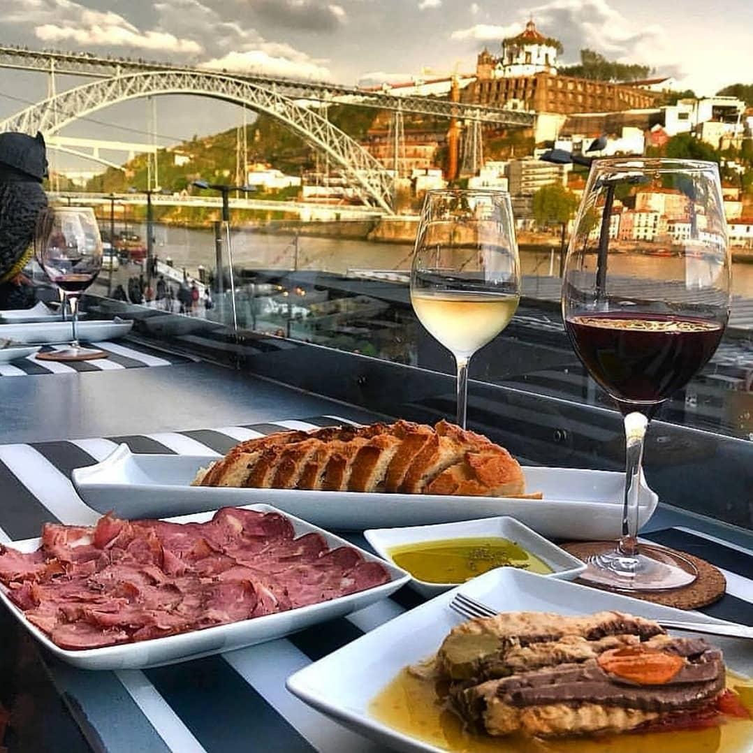 Best Wine Bars in Porto